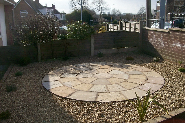 Indian Stone Patio with Gold Coast Gravel